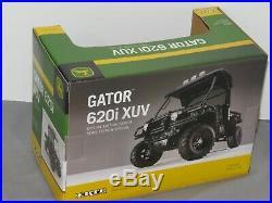 John Deere Gator XUV 4X4 620i Utility Vehicle Ertl Chrome Die-Cast 1/16 NIB RARE